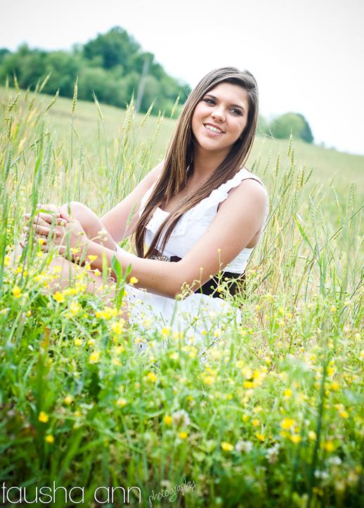 girl sitting in the grass on farm fashion model senior photography nashville