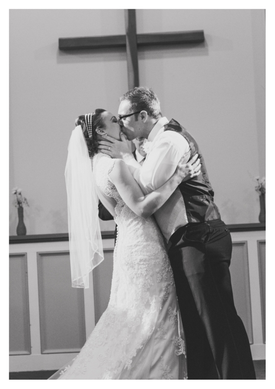 Franklin-Nashville-wedding-photographer-downtown-vintage-barn-chapel-21