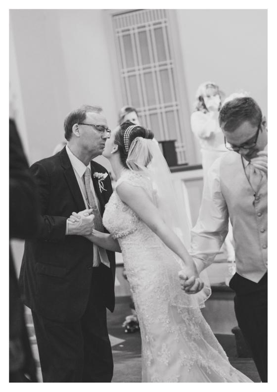 Franklin-Nashville-wedding-photographer-downtown-vintage-barn-chapel-22