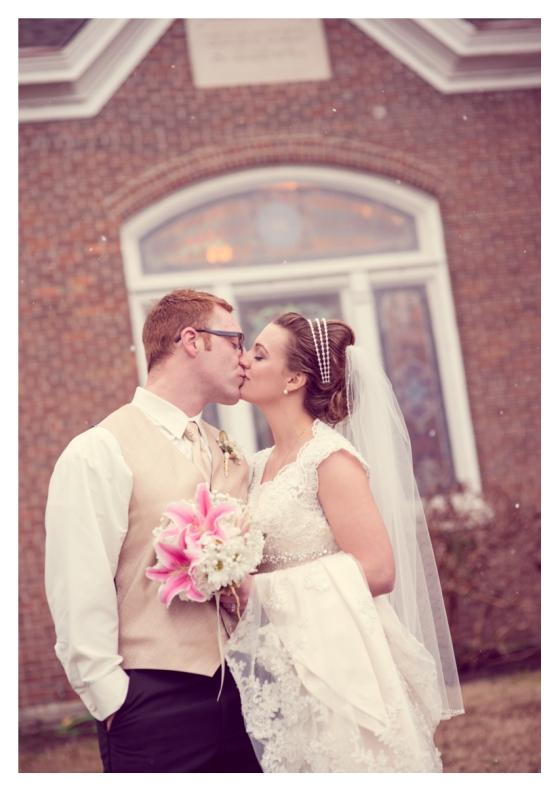 Franklin-Nashville-wedding-photographer-downtown-vintage-barn-chapel-25