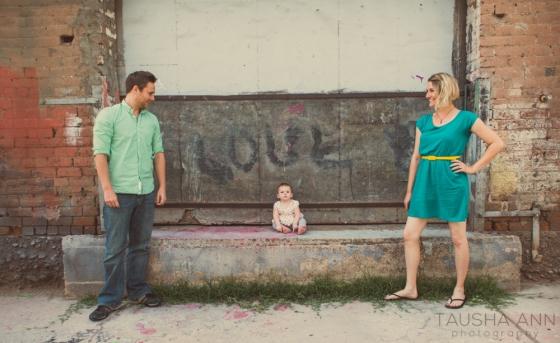 WEB-Phoenix-family-children-Tausha-Ann-Photography-photographer-downtown-alley-3