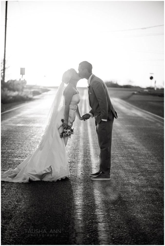 Wedding_Getting_Ready_Bride_Groom_Wedding_Party_Phoenix_AZ_Tausha_Ann_Photography-Sunset_Shot_3