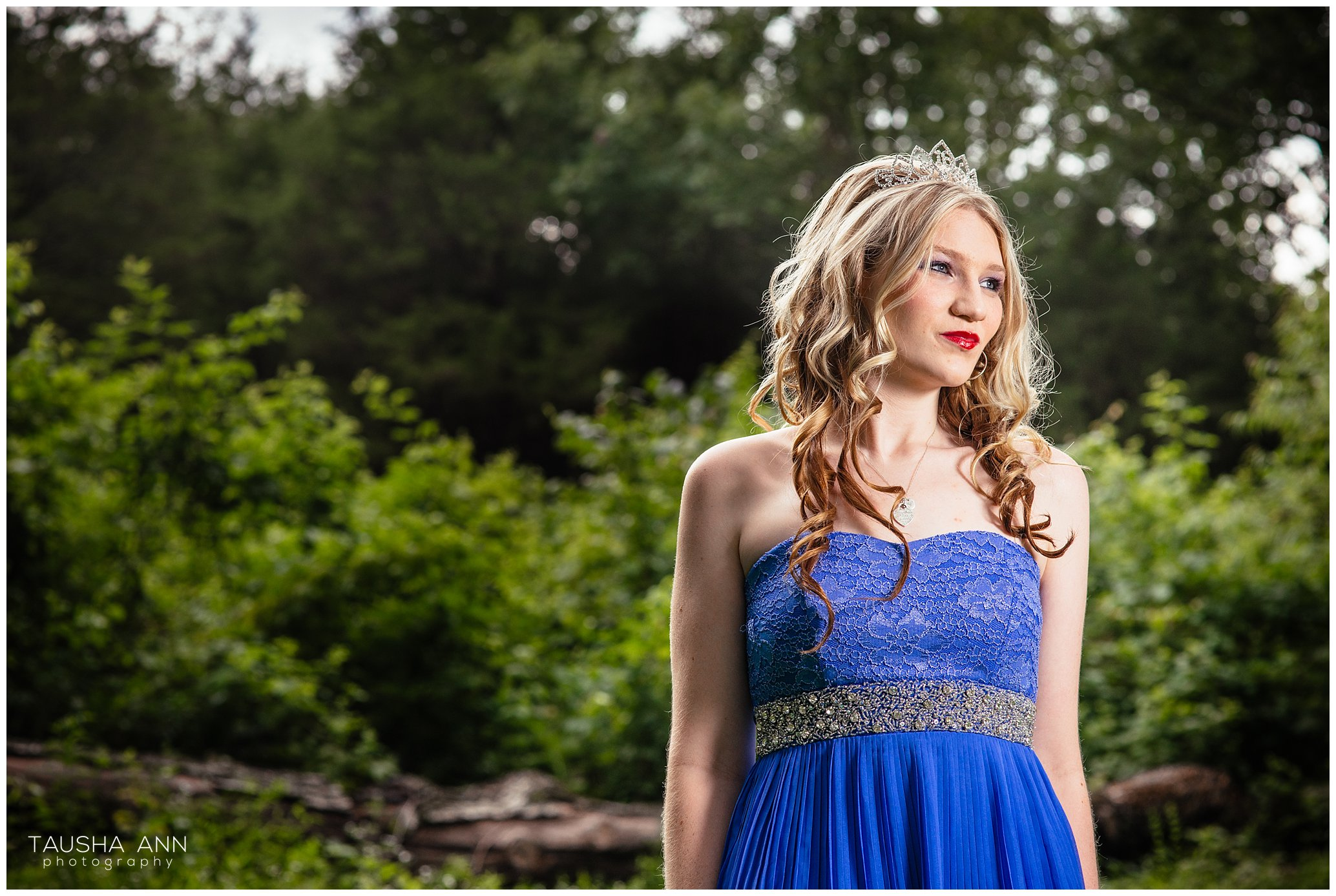 Sammie's_Sweet_16_Duck_Pond_Farm_Mt_Juliet_Tausha_Ann_Photography_Model_Nashville_Franklin_Beautiful_Blonde_Tiara.jpg