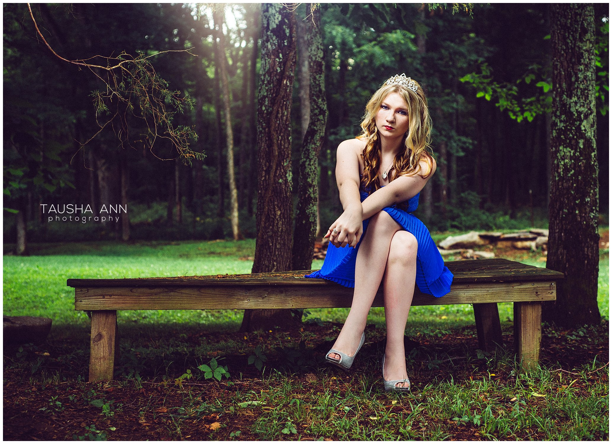 Sammie's_Sweet_16_Duck_Pond_Farm_Mt_Juliet_Tausha_Ann_Photography_Model_Nashville_Franklin_Spinning_Blue_Dress_Tiara_Sitting_On_Bench_Under_Tree
