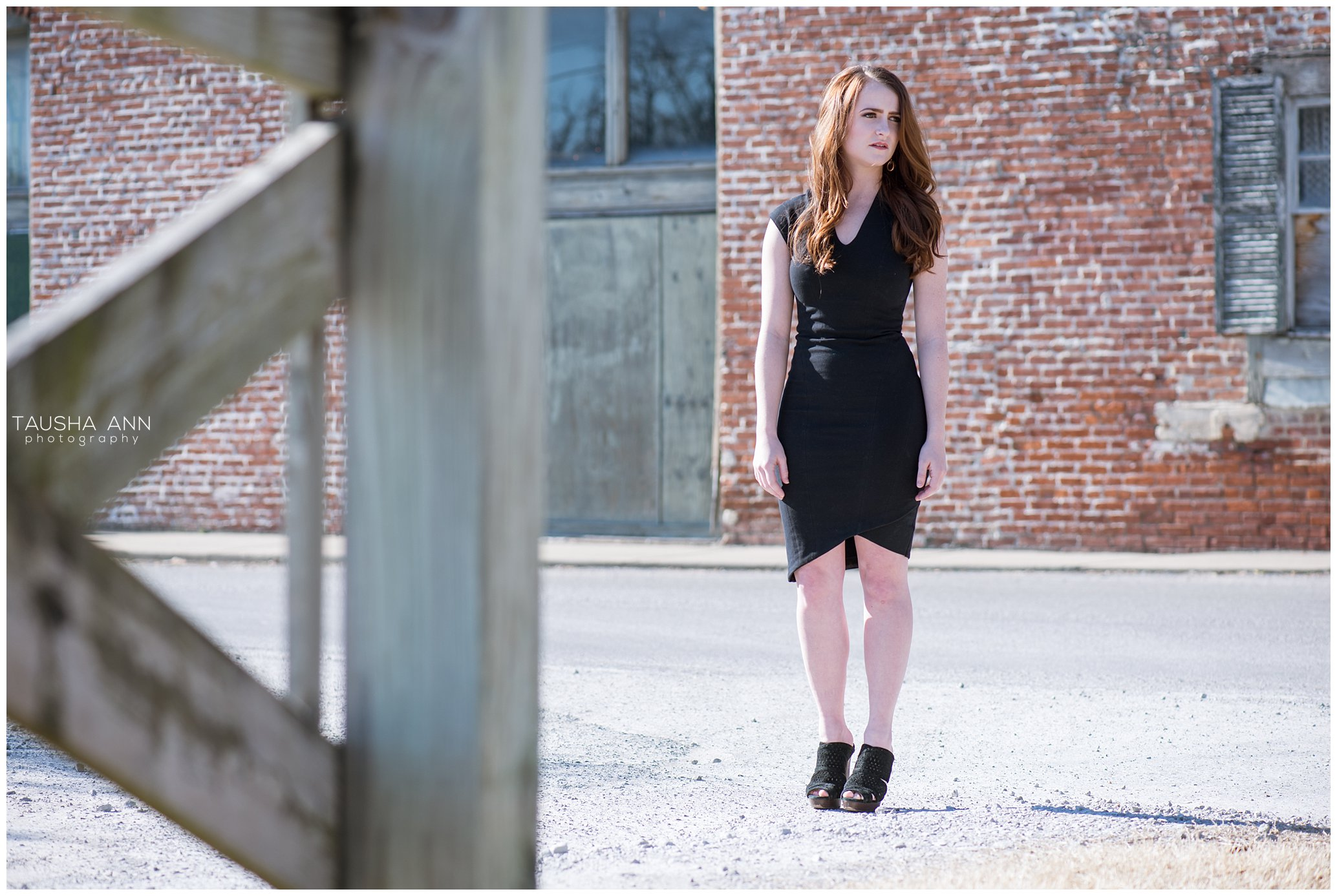 Shannon_Grace_Nashville_TN_FRanklin_Model_Photography_Little_Black_Dress_Downtown.jpg