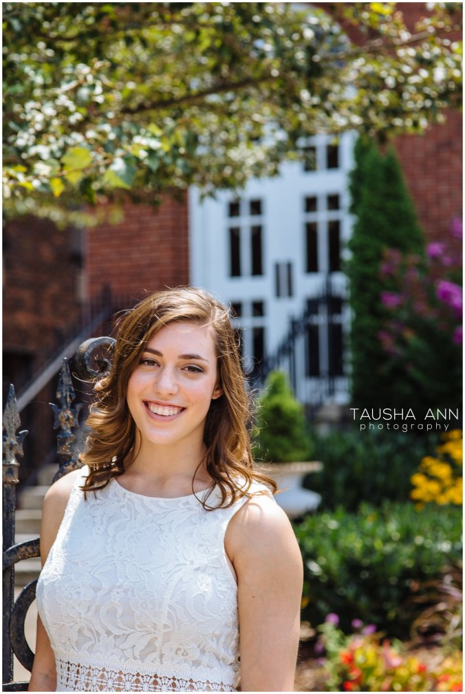Franklin_TN_Senior_Photography_Katie_Class_2015_Girl_Flowers_Gorgeous_Smile_Tausha_Ann_Photography_12