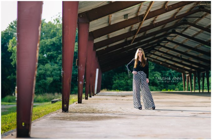 Sammie_16_Senior_Photography_Nashville_Franklin_Senior_Photographer_Urban_Field_0532