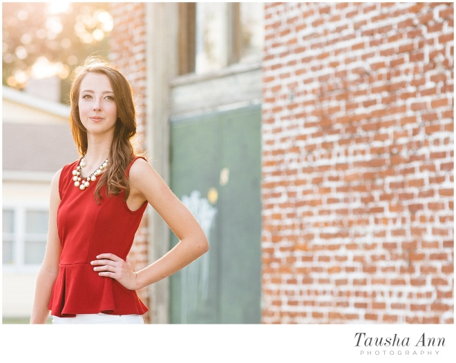 Lauren_Senior_Photography_Franklin_TN_Nashville_Tausha_Ann_Photography_Urban_Brick_Sun_Glare