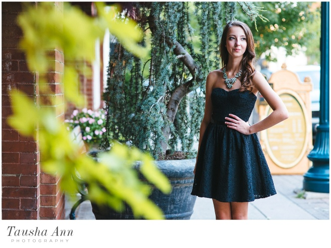 Lauren_Senior_Photography_Franklin_TN_Nashville_Tausha_Ann_Photography_Urban_Little_Black_Dress