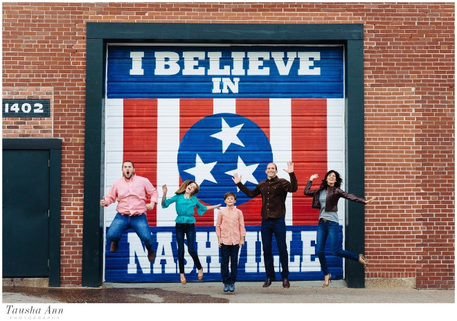 Wilson_Family_Downtown_Nashville_Tausha_Ann_Photography-96_I_Believe_In_Nashville_Sign
